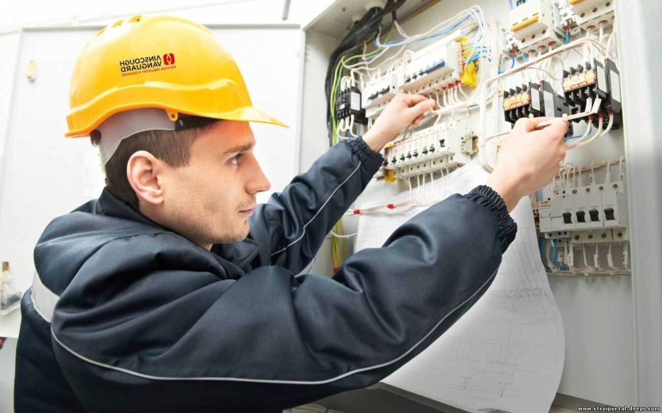 Зачем нужен квалифицированный электрик?