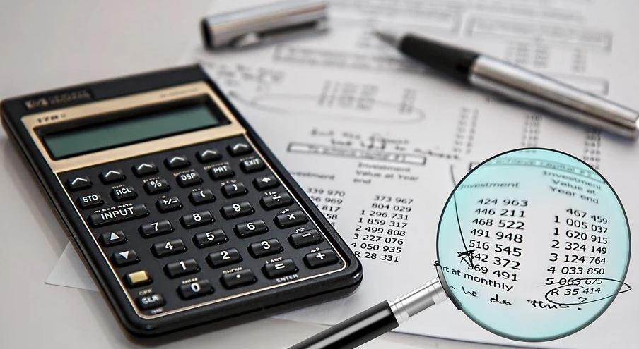 Росреестр: число заявлений на сделки с недвижимостью летом упало на 16%