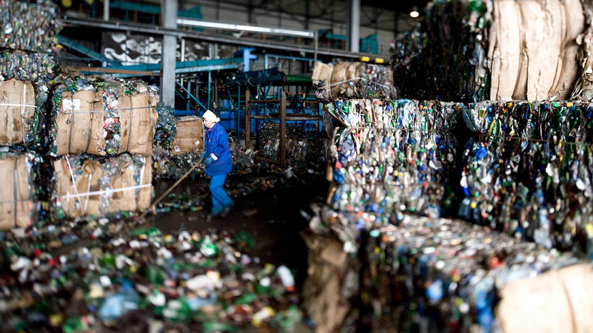 В подмосковье на переработку направили более полумиллиона тонн стекла и пластика