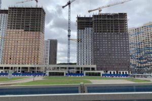 20 жилых домов строят по программе реновации в САО
