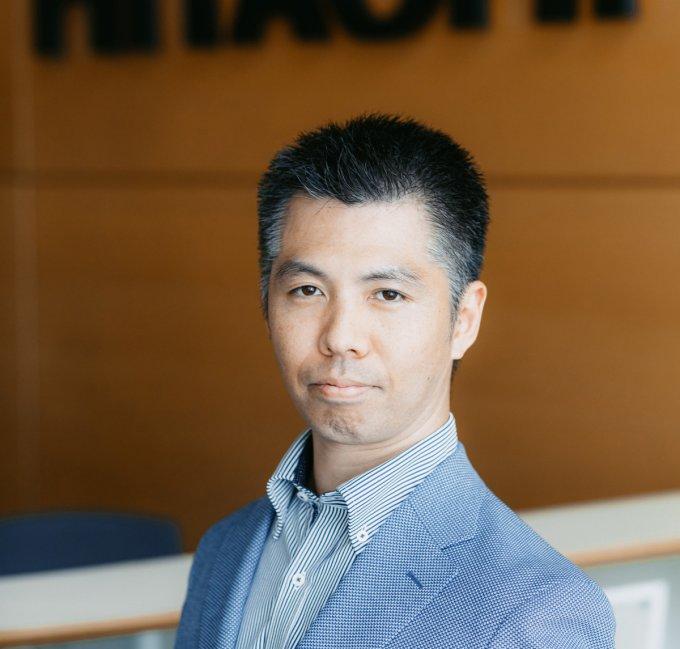 Поздравление от компании Hitachi
