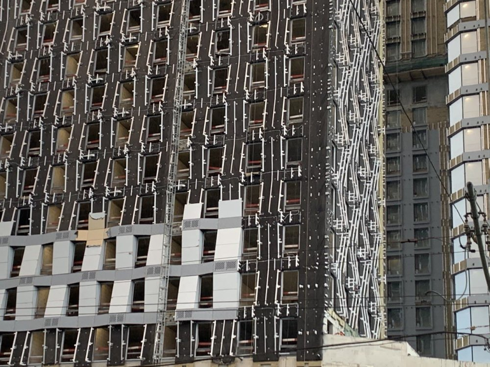 300 семей переехали по реновации на западе столицы с января
