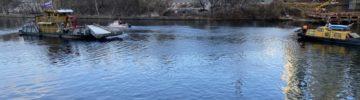 Появилось масляное пятно на Москва-реке в районе набережной Тараса Шевченко