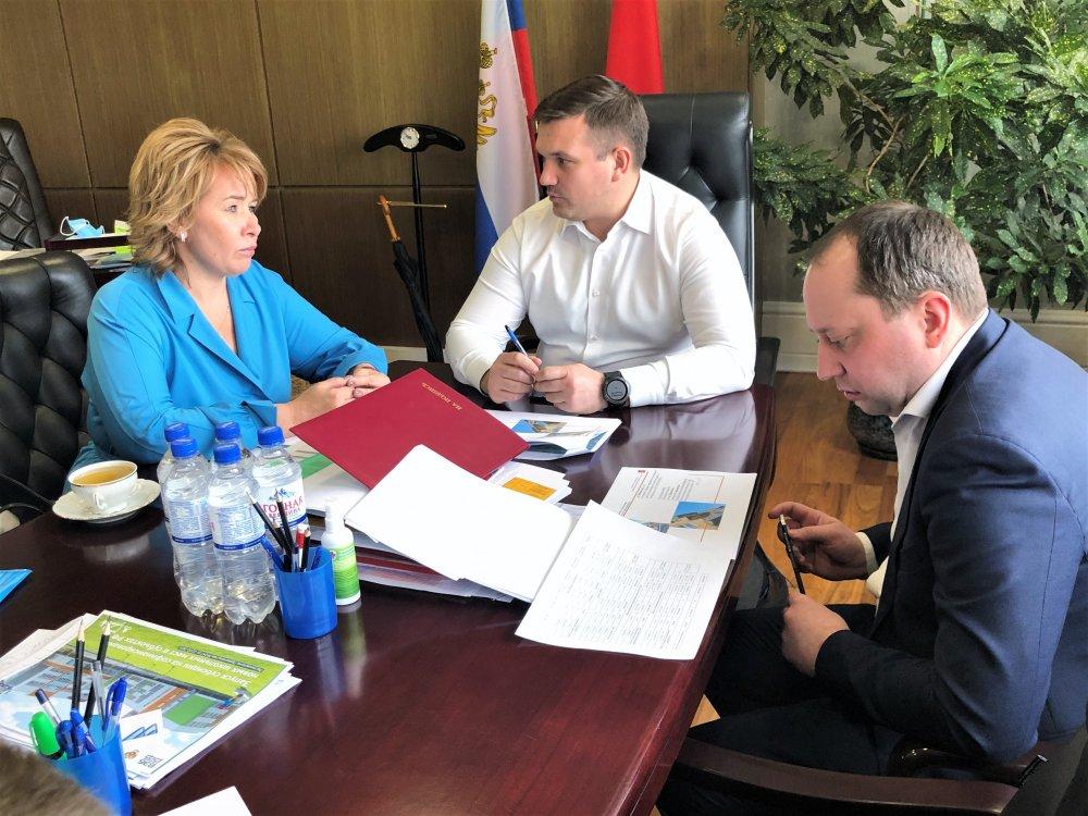В Минстрое Подмосковья обсудили вопрос расселения аварийного жилья в Электростали