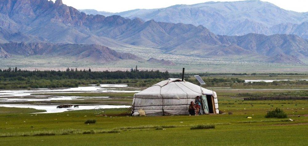 В Республике Алтай экологи очистят территорию заброшенного завода АГМП