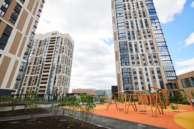 Возле небоскребов всегда дует, а верхние этажи прожигает солнце: 5 мифов о высотном строительстве